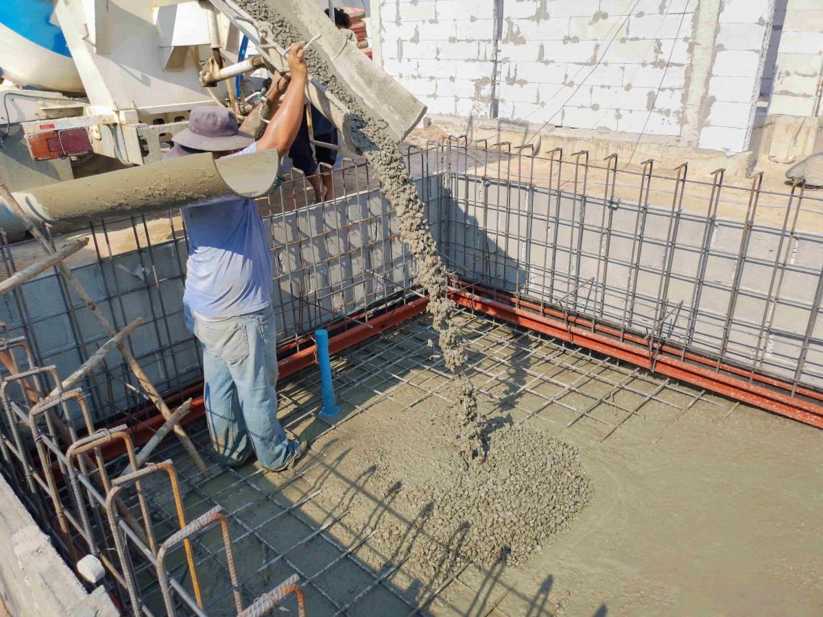 Faire Construire Une Piscine Intérieure faire construire ou installer une petite piscine chez-soi