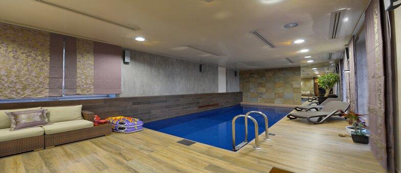 mini piscine intérieure